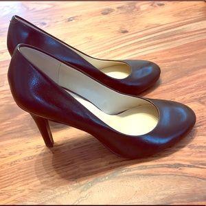 Nine West Black leather heels - Size 7